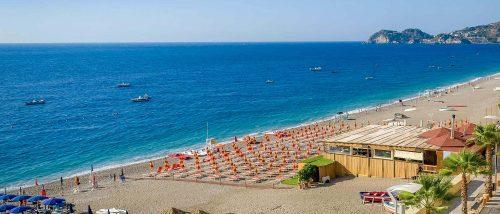 Giardini di Naxos Beach