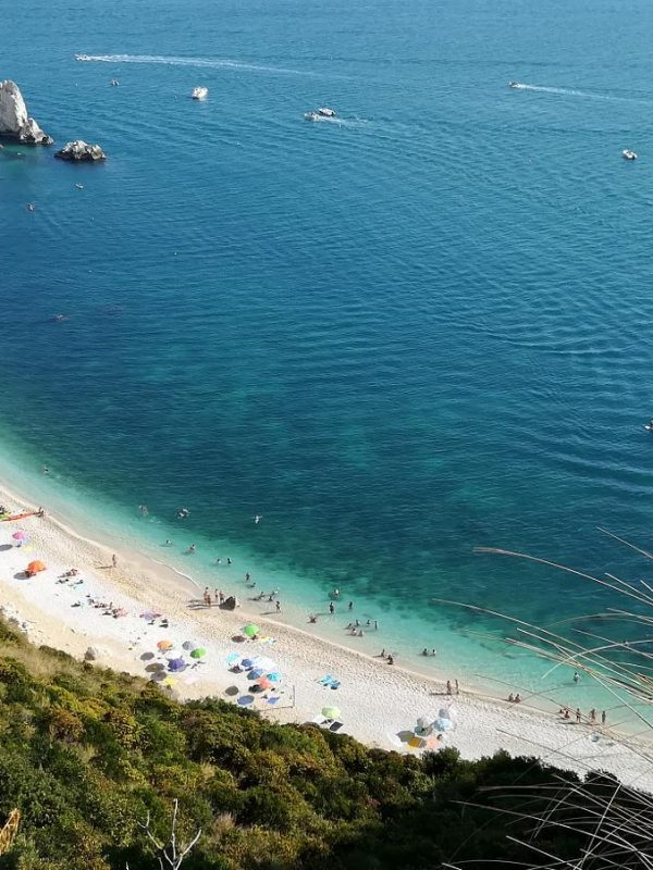 Travel suggestions: the Conero beaches