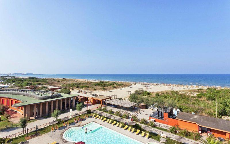 Tirrenia beach