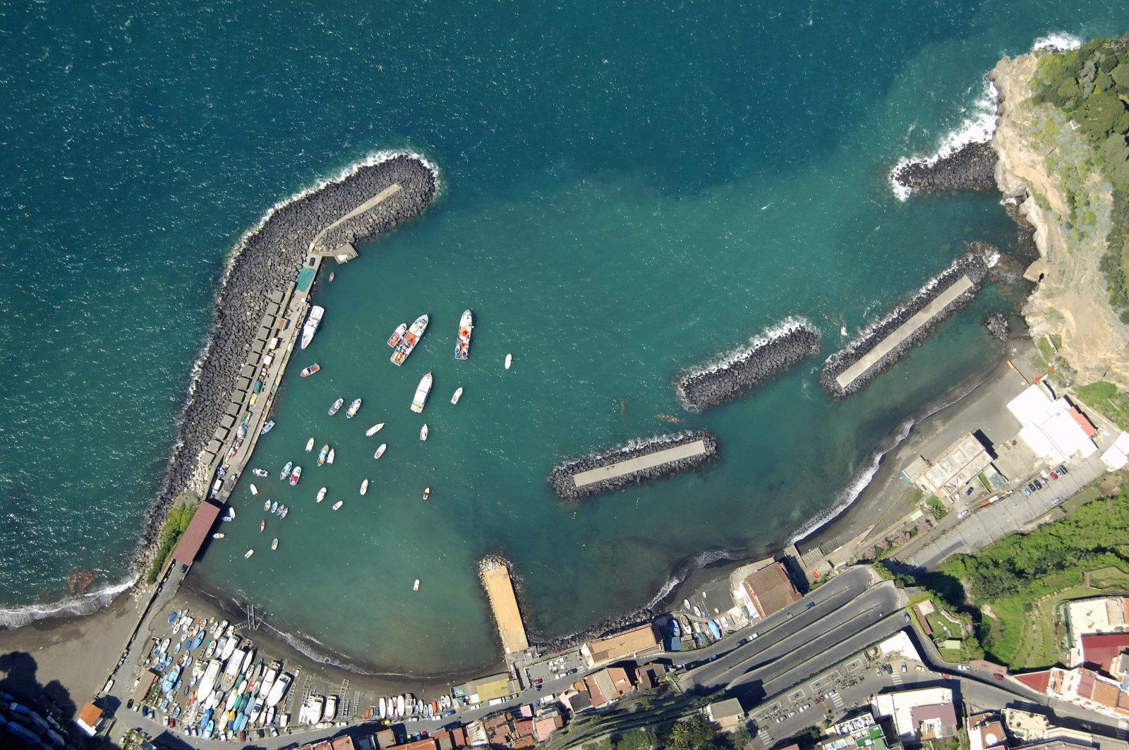 Marina di Cassano beach