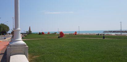 Spiaggia San Benedetto del Tronto - Monumento Nespolo - Monumento Lavorare