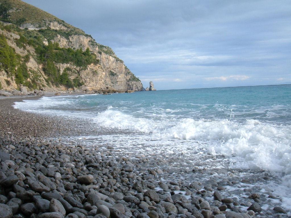 Matrimonio Spiaggia Costiera Amalfitana : Spiaggia arienzo positano costiera amalfitana spiagge