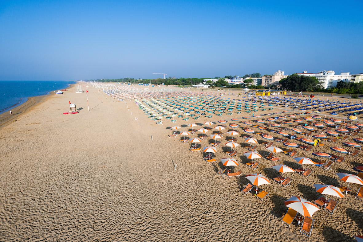 Matrimonio Spiaggia Bibione : Spiaggia di bibione trovaspiagge portale delle
