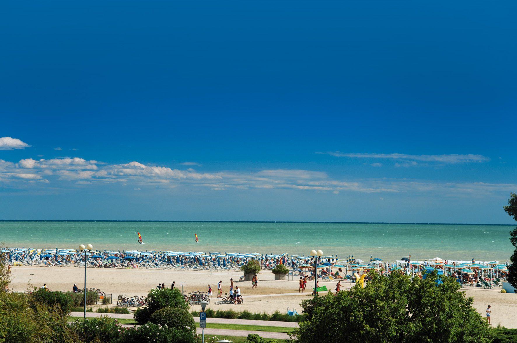 Matrimonio Spiaggia Bibione : Spiagge di bibione veneto: spiagge italiane su trovaspiagge.it