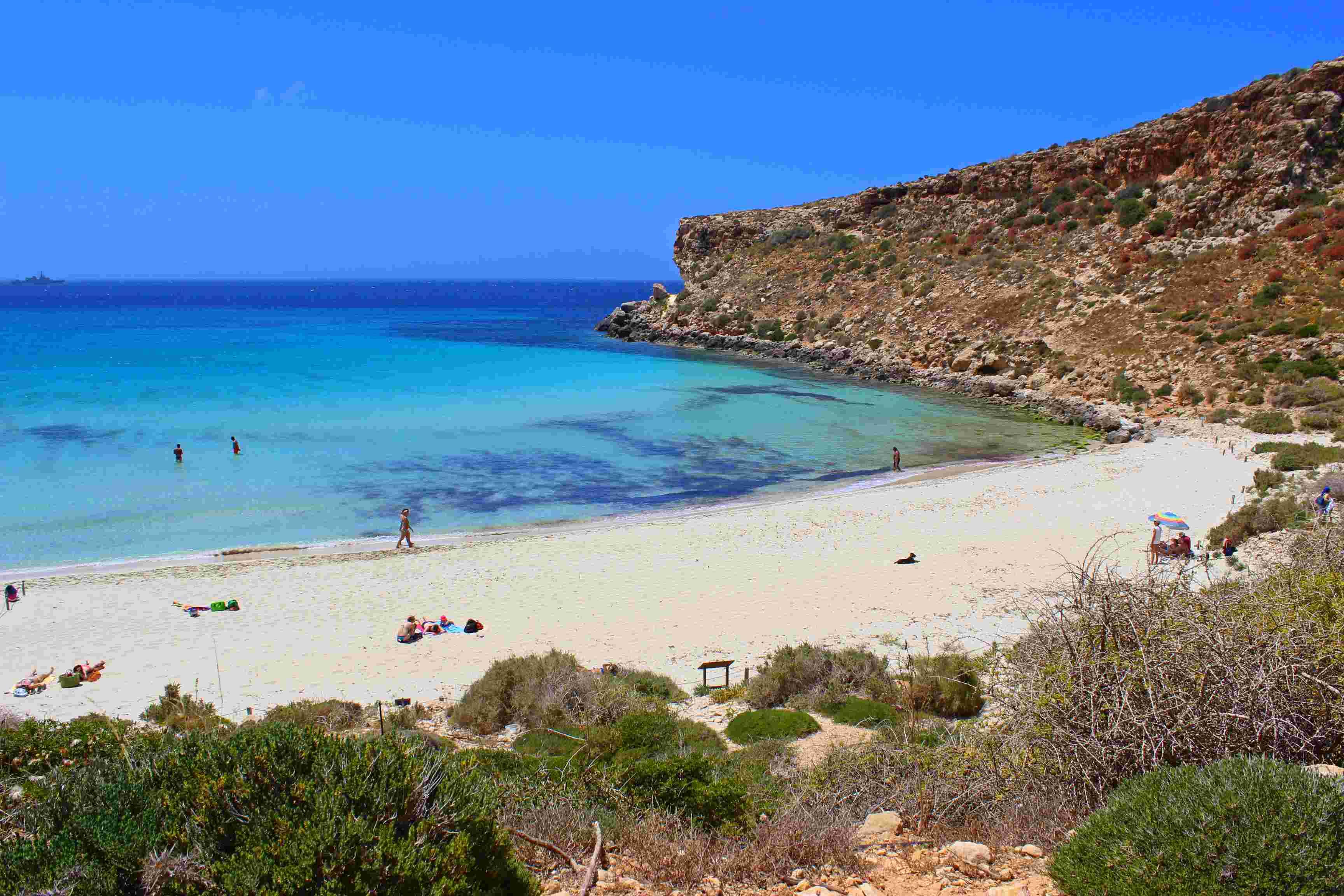 Spiaggia dei conigli lampedusa sicilia trovaspiagge for Setacciavano la sabbia dei fiumi