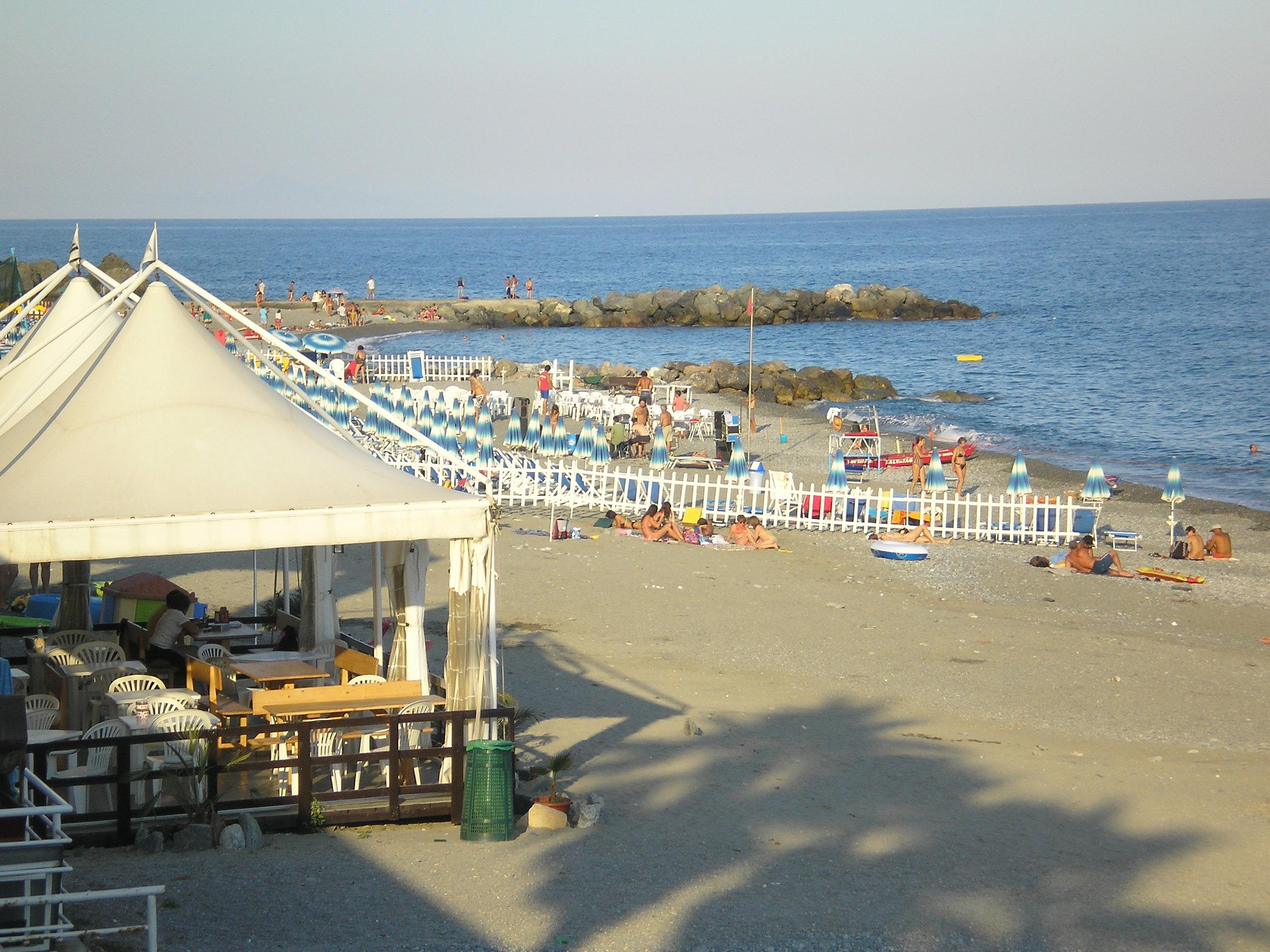 Matrimonio Spiaggia Savona : Spiaggia delle fornaci liguria trovaspiagge portale