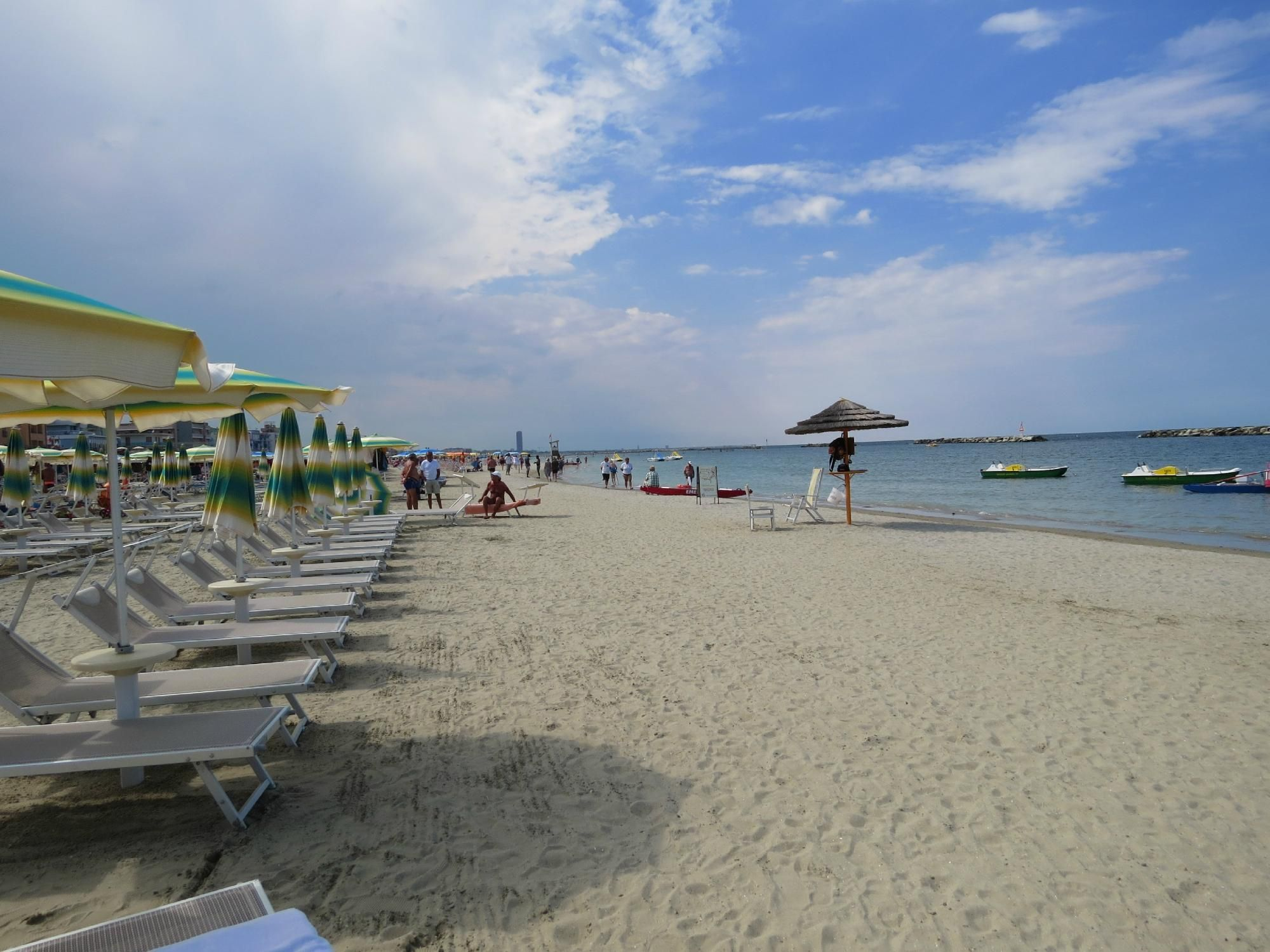 Spiaggia di gatteo a mare riviera romagnola spiagge italiane su - Bagno davide gatteo mare ...