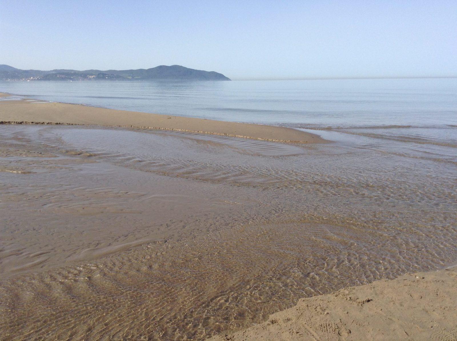 Spiaggia di licinella torre di paestum spiagge italiane su - Torre specchia spiaggia ...