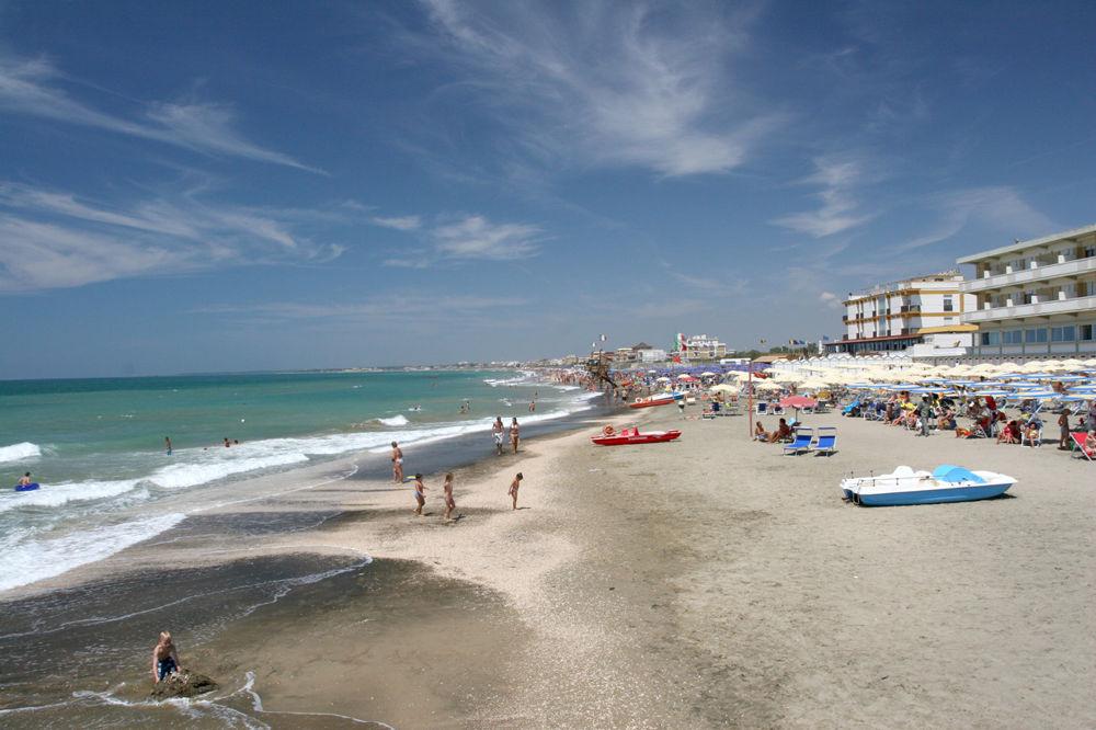 Spiaggia di Marina di Latina