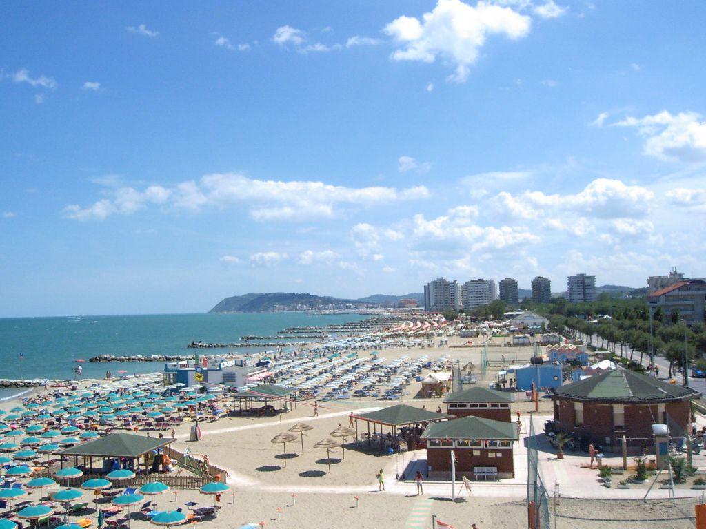 Matrimonio Spiaggia Misano Adriatico : Spiagge di misano adriatico riviera romagnola