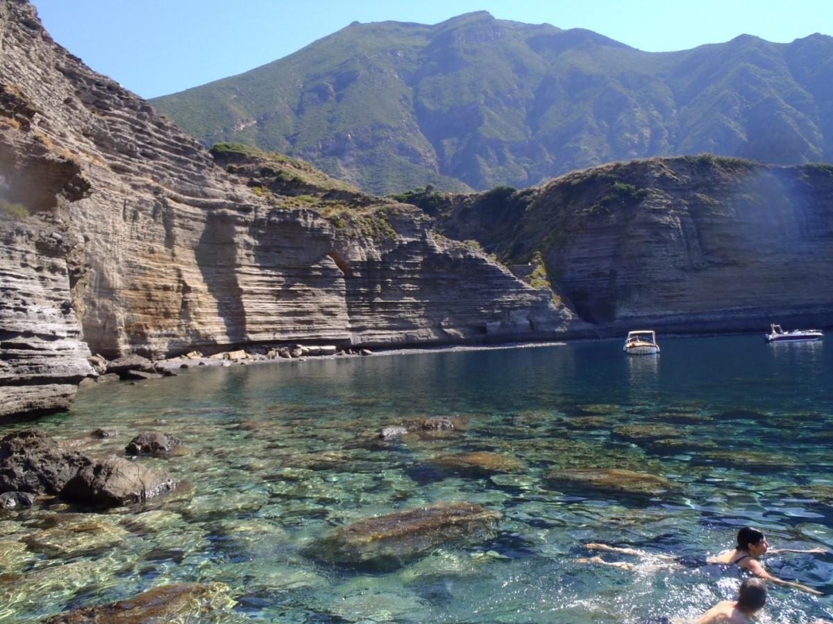Spiaggia Pollara - Isola Salina
