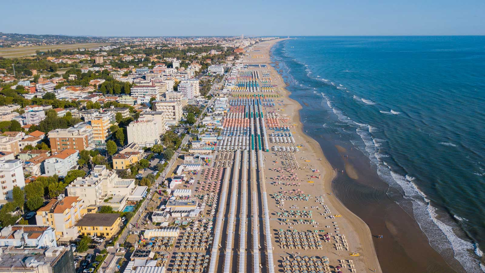 Matrimonio Spiaggia Riviera Romagnola : Spiaggia riccione riviera romagnola spiagge italiane su