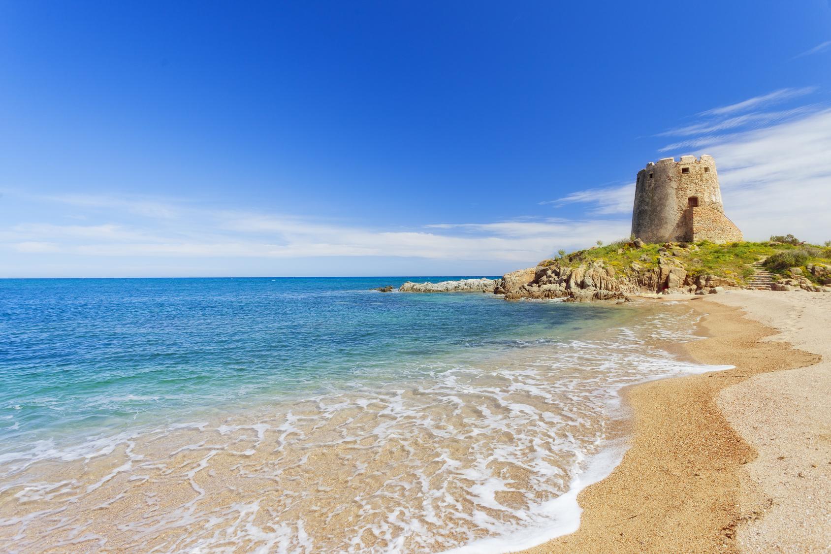 Spiaggia torre di bar bari sardo sardegna spiagge italiane su - Torre specchia spiaggia ...