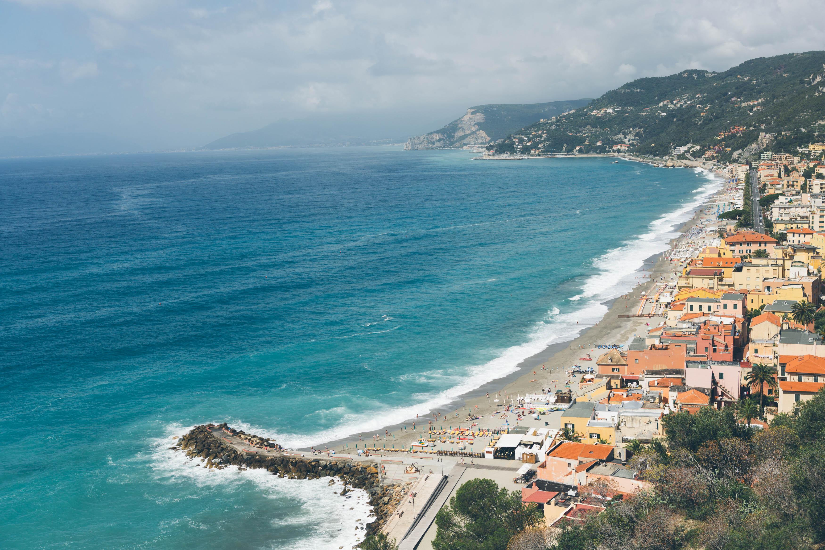 Matrimonio Spiaggia Varigotti : Spiagge di varigotti trovaspiagge portale delle