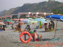 Spiaggia Fiumefreddo Bruzio  Scollega