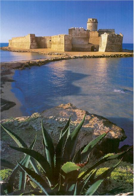 Spiaggia Le Castella Isola di Capo Rizzuto Calabria