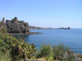 Spiaggia di Aci Castello