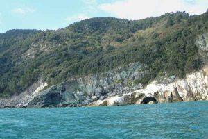 Scogliera e Spiaggia Punta Bianca