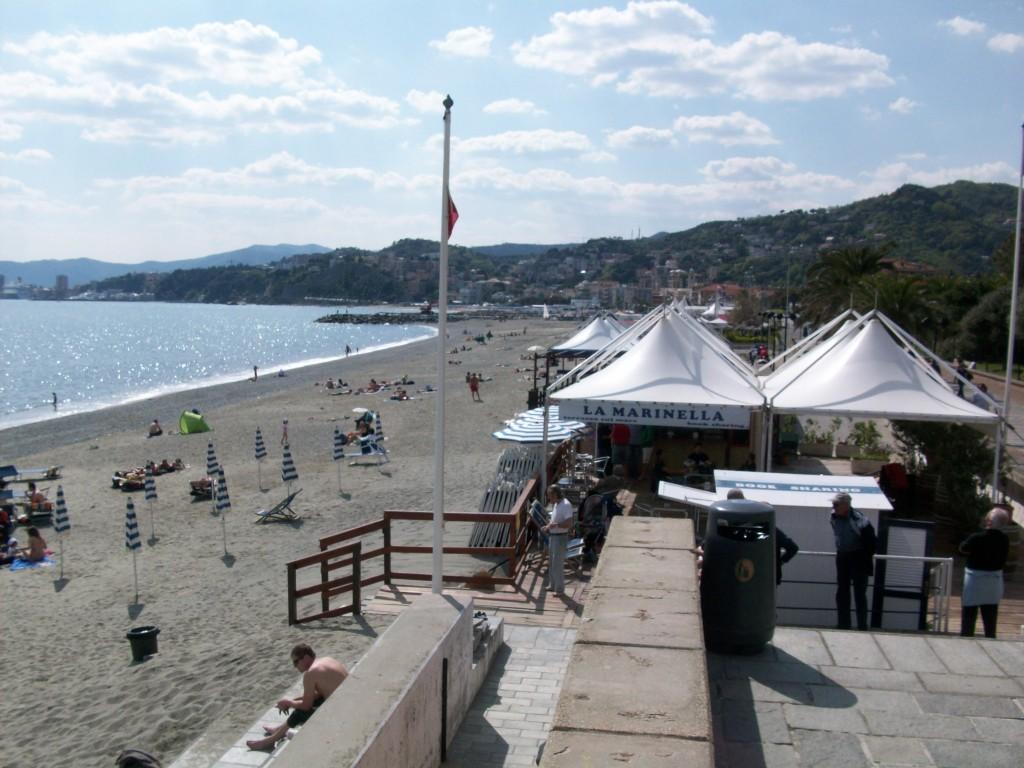Matrimonio Spiaggia Albisola : Spiaggia di albisola superiore liguria spiagge italiane