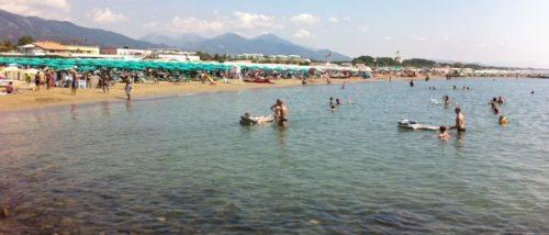 Matrimonio Spiaggia Marina Di Massa : Spiagge di marina di massa trovaspiagge
