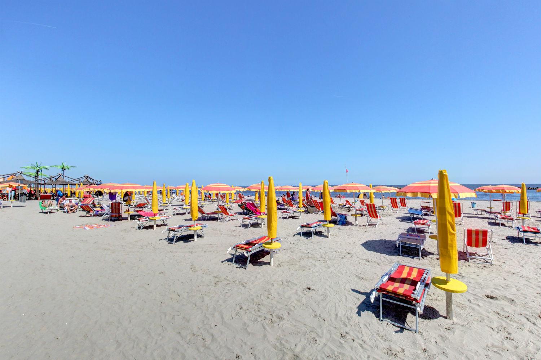 Matrimonio Spiaggia Emilia Romagna : Spiaggia di lido degli estensi trovaspiagge portale
