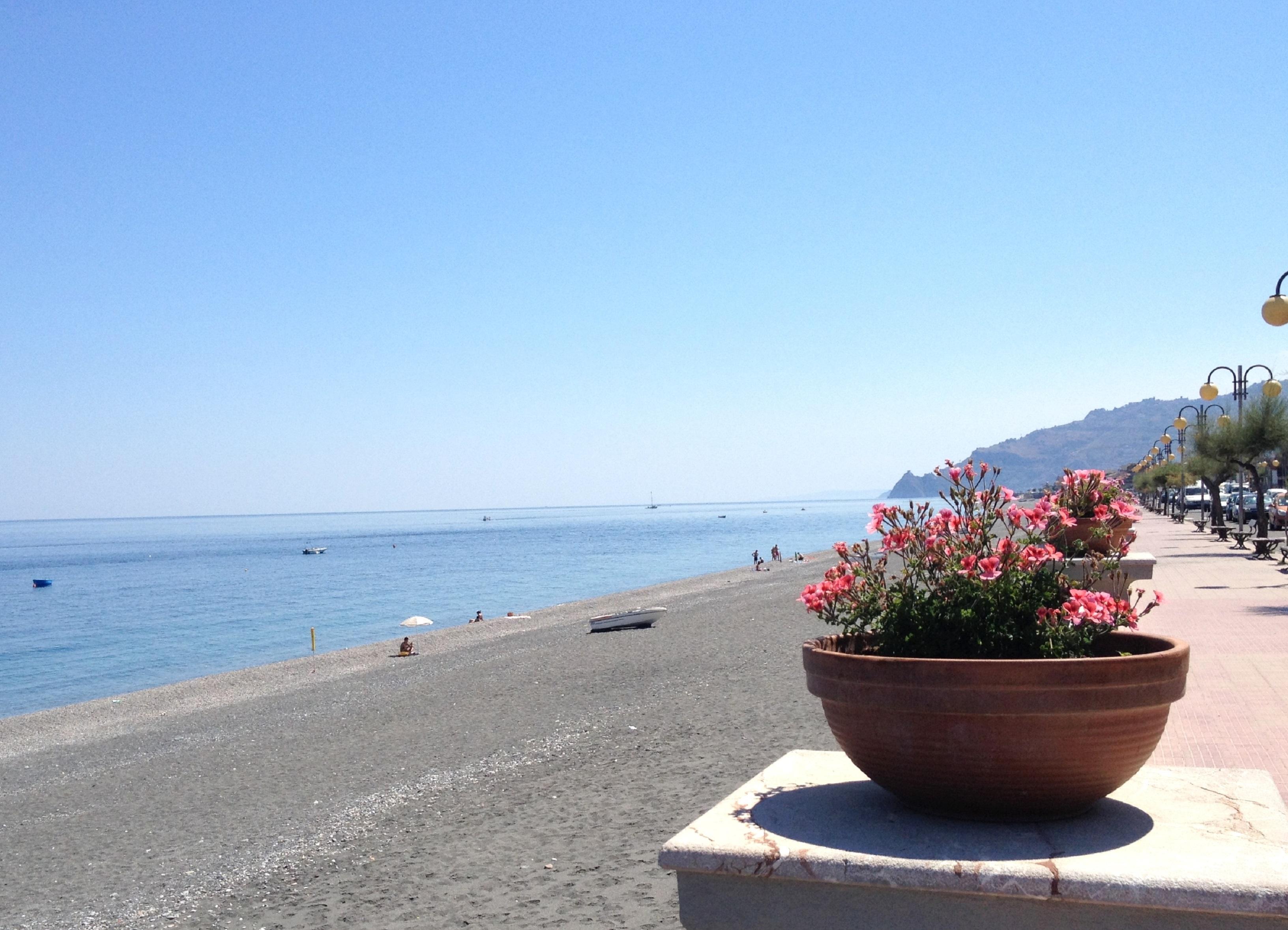 Spiaggia di Furci Siculo
