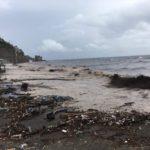 Spiagge horror - Rifiuti portati dalle mareggiate