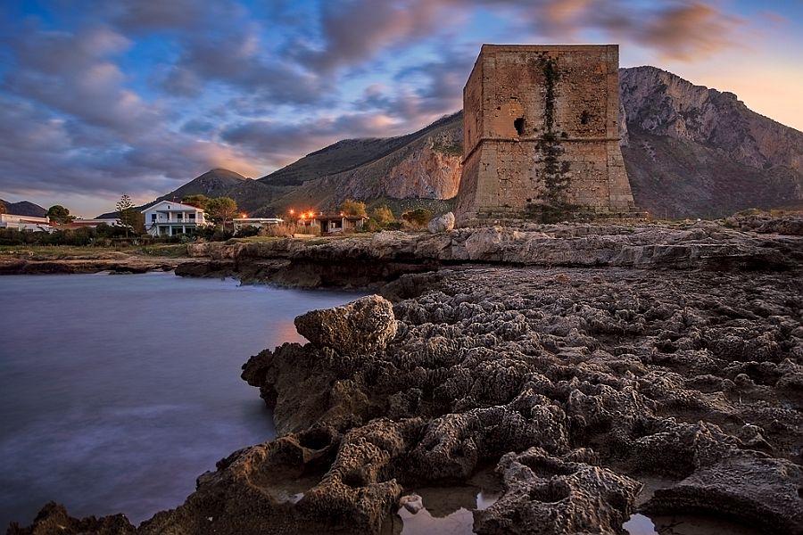 Spiaggia di torre pozzillo sicilia spiagge italiane su - Torre specchia spiaggia ...