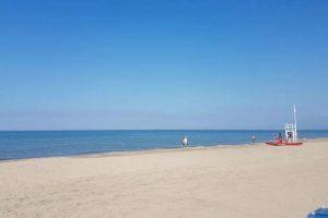 Spiaggia Baia Azzurra Levagnole