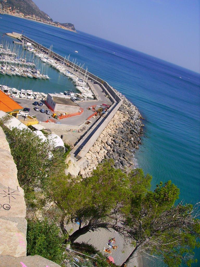 Spiaggia del Porto, Finale Ligure, Liguria