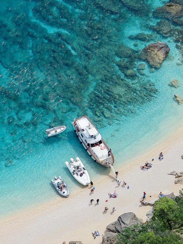 Gita in barca La Maddalena: escursioni in mare e tour delle isole