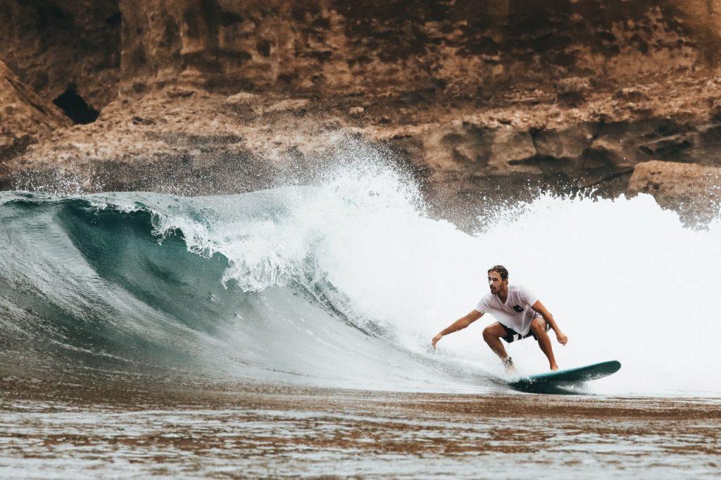 Il surf è uno sport da spiaggia per il 2020