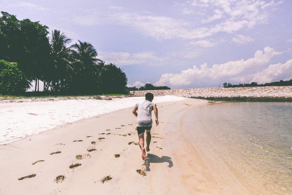 Correre in riva al mare