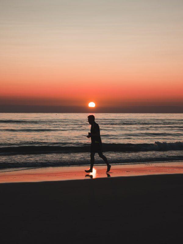 Correre in spiaggia: una buona abitudine?