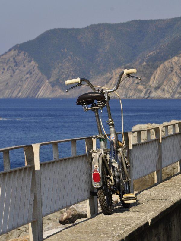 Le più belle piste ciclabili sul mare in Italia